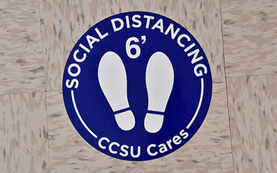 Social Distancing 6' floor sign